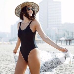 VITAMIN A LEAH BODYSUIT ECOLUX BLACK SWIMSUIT 8 M